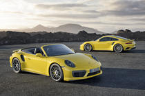 Porsche 911 Turbo S Convertible Facelift si Porsche 911 Turbo S Coupe Facelift