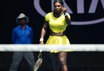 Serena Williams, cu pumnul ridicat