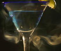 Alcoolul si fumatul, o combinatie periculoasa