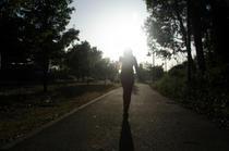 Mersul pe jos, eficient pentru pierderea in greutate