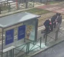 Operatiune antitero la Bruxelles: suspectul, tarat de politisti mascati