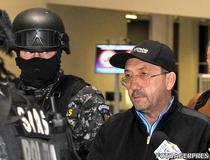 Florian Walter, adus in tara din Emiratele Arabe Unite, sub escorta Politiei Romane