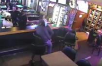 Jaf intr-un bar