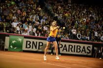Simona Halep, cu fata prin racheta