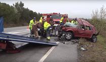Ciocnire intre un Sandero si un VW Golf in Spania, soldata cu 7 morti