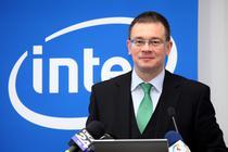 Premierul M. R. Ungureanu inaugura in 2012 centrul Intel