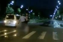 Un tanar ar fi fost batut de politie pe Blvd Unirii
