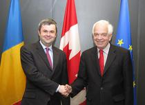 Sorin Moisa si ministrul canadian John McCallum