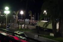 Momentul cand camionul intra in multimea din Nisa