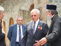 Mugur Isarescu, insotit de primviceguvernatorul Florin Georgescu