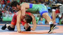 Mandakhnaran Ganzorig si Ilhtior Navruzov, in finala pentru bronz