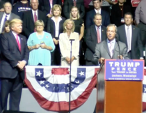 Farage, prezent la un miting electoral al lui Trump