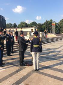 Hollande a semnat in cartea de onoare de la Mormantul Soldatului Necunoscut
