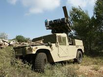 Autovehicul blindat cu sistem de racheta antitank Spike