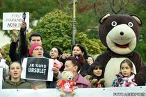 Protest in Capitala fata de uciderea ursului din Sibiu