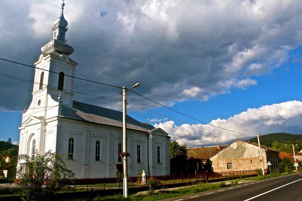 Biserica, Muresul si Castelul Regal (2)