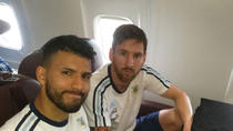 Messi si Aguero, in aeronava care s-a prabusit marti, in Columbia