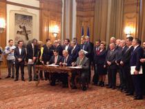 Dragnea, Tariceanu si Constantin la semnarea protocolului PSD - ALDE