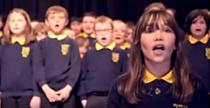Elevi de la o scoala speciala din Irlanda de Nord