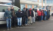 Solicitanti de azil sirieni si irakieni ce au incercat sa plece ilegal din Romania