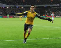Alexis Sanchez, hat-trick pentru Arsenal