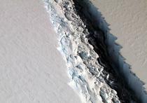 Fisura in Banchiza Larsen in Antarctica ce va duce la crearea unui isberg enorm