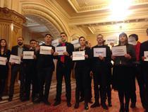 Parlamentari USR protesteaza fata de Florin Iordache