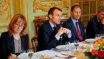 Macron la dezbaterea de la Ambasada din Paris