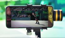 Roger Federer, spionat cu telefonul mobil