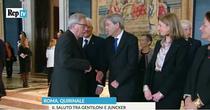 Juncker refuza, in gluma, sa dea mana cu Gentiloni
