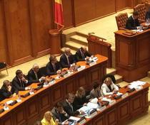 Adrian Nastase, langa Traian Basescu la discursul lui Juncker