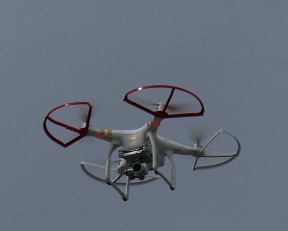 Drona si multimea (2)