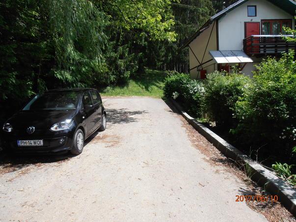 Busteni, strada Licurici asfaltata cu grave probleme pentru unii cetateni