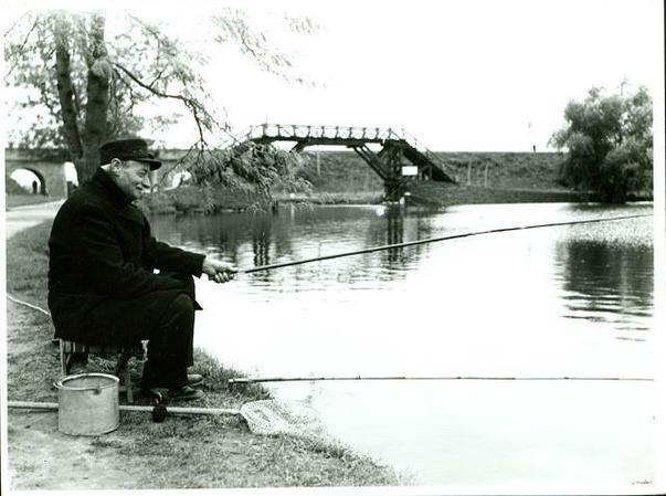 Pensionar pe malul Herastraului în anul 1925...