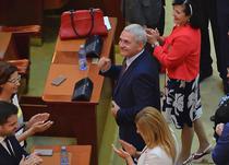Liviu Dragnea, aplaudat de la balcoanele Parlamentului