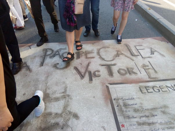 La pas pe Calea Victoriei