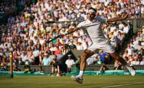 Roger Federer, balet pe iarba de la Wimbledon