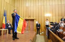 Iohannis le-a oferit drapelul romanesc liderilor maghiari