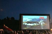 Atmosfera la proiectia filmului Jina