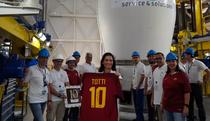 Tricoul lui Francesco Totti a ajuns in spatiu
