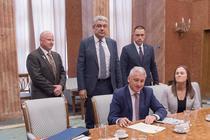 Guvernul a semnat contractul cu Bell Helicopters