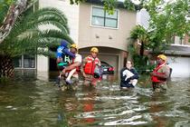 Locuitori din Texas evacuati in urma uraganului Harvey