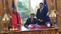 Macron promulga in direct doua legi