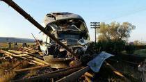 Un tren s-a ciocnit cu un camion