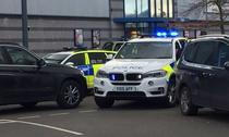 Incident armat intr-un mall din Nuneaton, Anglia