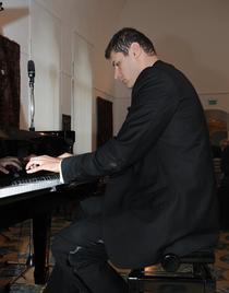Pianistul Lucian Velciu