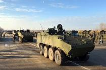 Transportoare Piranha V la parada militara de 1 decembrie