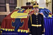 Sicriul Regelui Mihai, depus in Sala Tronului de la Palatul Regal