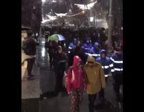 Protest sub ninsoare in Bucuresti