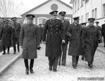 Regele Mihai in vizita la Regimentul de Garda calare 1944